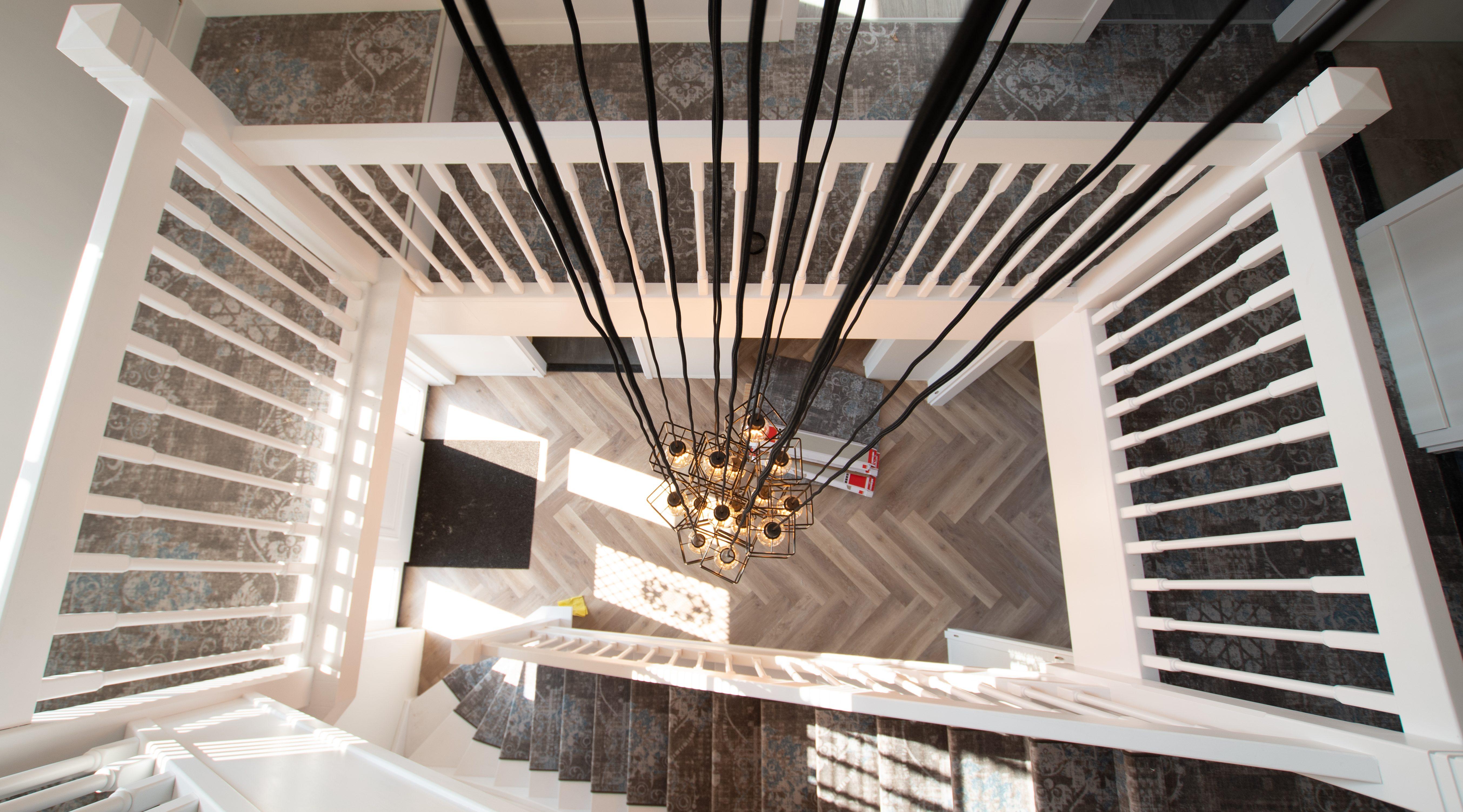 binnenschilderwerk trapopgang schildersbedrijf zeewolde